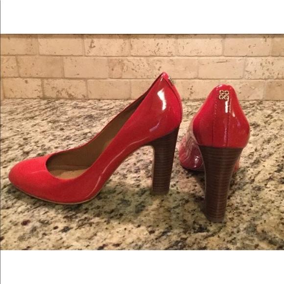 les chaussures de cuir rouge entraîneur talons shelley sz poshmark shelley talons 18e8f5